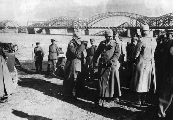 Kaiser Wilhelm II (1859-1941), German Emperor, with Prince Leopold of Bavaria (1846-1930) at Riga on the Eastern Front during the First World War. The German army had just captured the city from the Russians