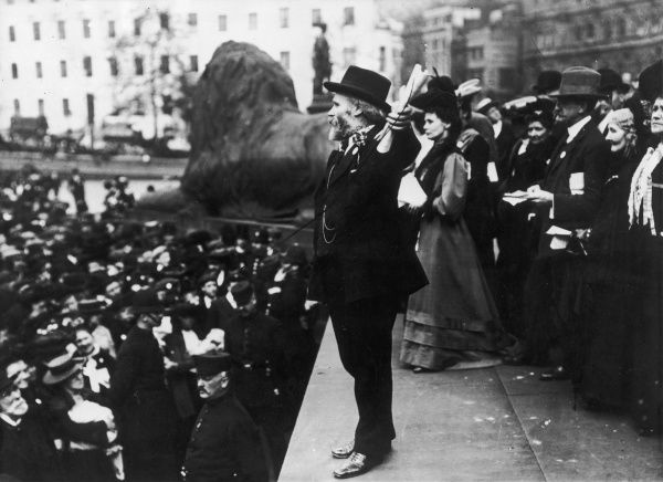 James Keir Hardie (1856-1915), Scottish Labour leader and politician giving a speech in Trafalgar Square, London