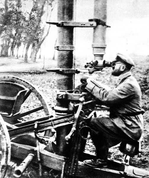 The land periscope: A German staf officer observing with a hyposcope