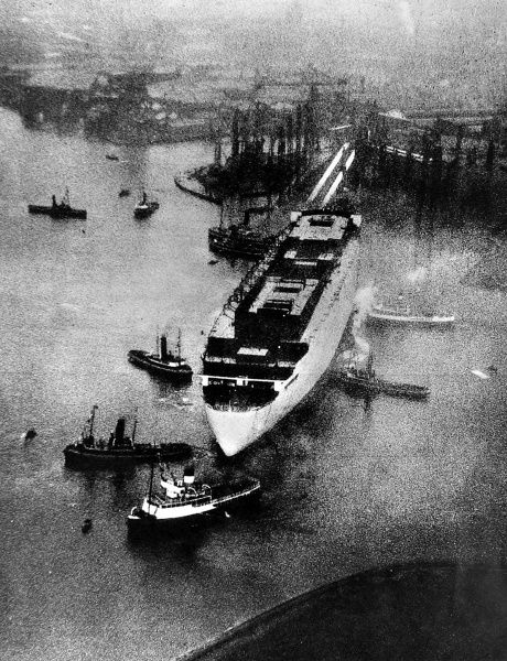 Photograph of the launch of R.M.S. 'Queen Mary' from John Brown's shipyard, Clydebank, 26th September 1934