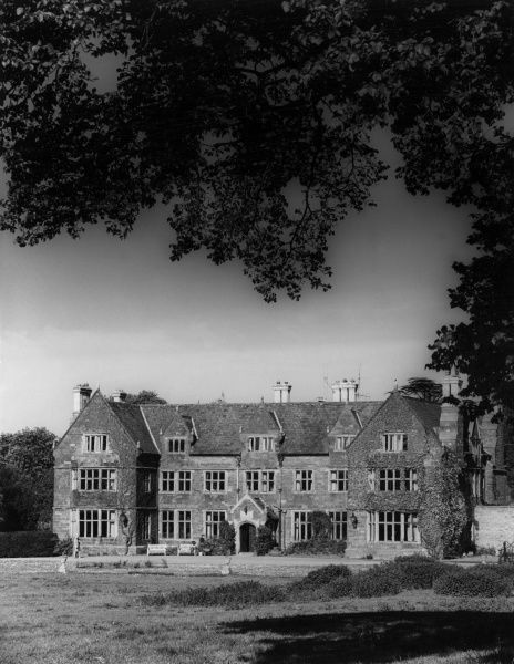 Launde Abbey, Leicestershire, England, is no loner an abbey, but an impressive Elizabethan manor house, built on the site of an Augustinian priory which was founded in 1119. Date: 16th century