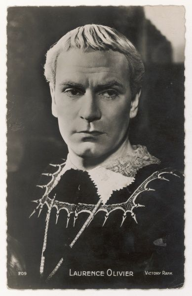 (Sir) LAURENCE OLIVIER British actor of stage and screen in the role of Hamlet (1948)
