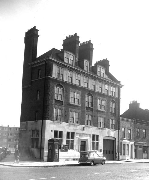 Built by the London County Council (LCC) and opened in 1904, Burdett Road fire station was located at 141 Burdett Road