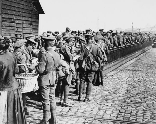 British troops leaving Boulogne in France on the British front during World War I on 13th June 1917