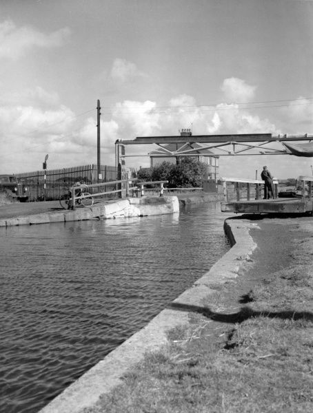 A view of the Leeds - Liverpool Canal, Merseyside, England. Date: 1960s