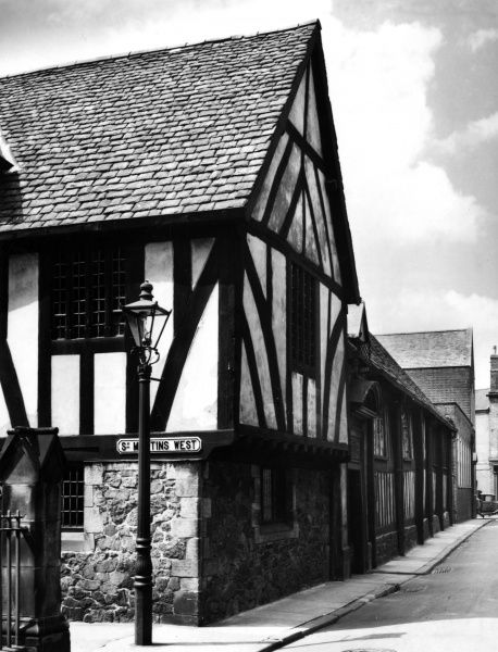 The fine old Guildhall at Leicester, Leicestershire, England. Built in the 14th century, it was used as a town hall until 1871. Date: 14th century