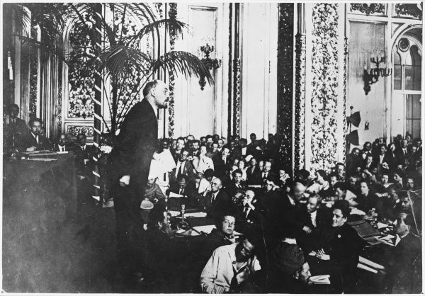 Lenin addresses delegates to the third Congress of the Communist International at Moscow