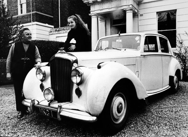 Leo Abse and his Bentley. Leo Abse was a well known MP, especially known for introducing Private Members bills legalising homosexuality and making divorce easier. Born in Cardiff he was MP for Pontypool and Torfaen from 1958 to 1997