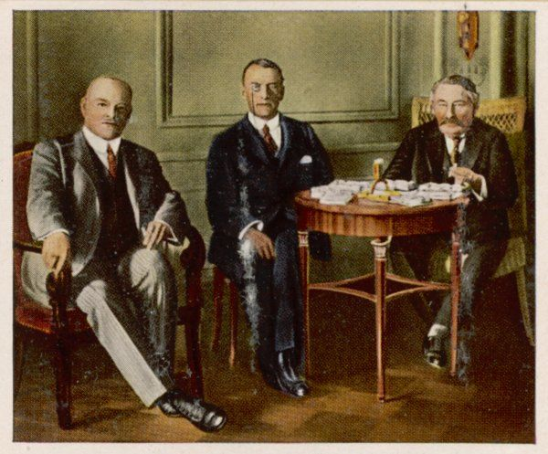 Stresemann, Chamberlain & Briand during the Locarno Conference, a diplomatic triumph that sought a period of cooperation based on upholding the peace treaties