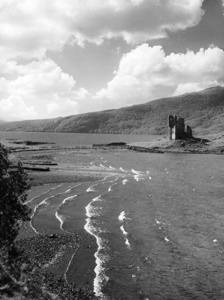 Loch Assynt, with the ruined Ardvreck Castle, Sutherland, Scotland. Date: 1930s