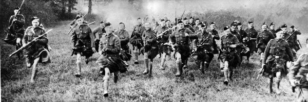 London Scottish soldiers charging with the bayonet