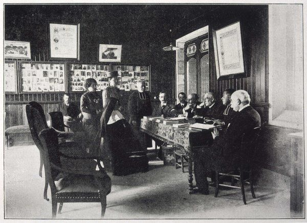 Members of Le Bureau des Constatations Medicales consider a case under the presidency of Dr Boissarie (1836-1917) (third from right)