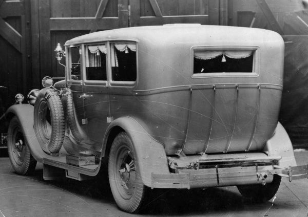 This car, fitted with silver brocade blinds and countless innovations and luxuries, is a wedding gift for the only grand-daughter of wealthy Indian Bai Rahematbai. Date: 13 March 1930