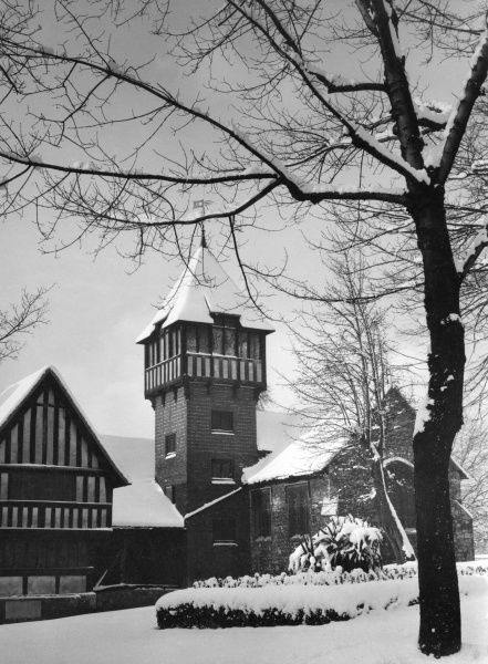 Winter in Maidstone, Kent, England - Breachley Gardens and the Museum, with its fine tower. Date: 1960s