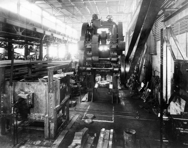 The Anglo-American Mark VIII Liberty tank being manufactured at the Parish & Bingham works in Cleveland, Ohio, USA, during the First World War. Date: January 1918