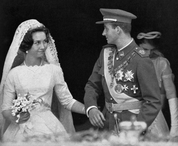 The wedding, in Athens, of Princess Sophia of Greece, now Queen Sofia of Spain (born 1938) and Infante Juan Carlos of Spain, now King Juan Carlos I of Spain (born 1938) on 14 May 1962. Date: 1962