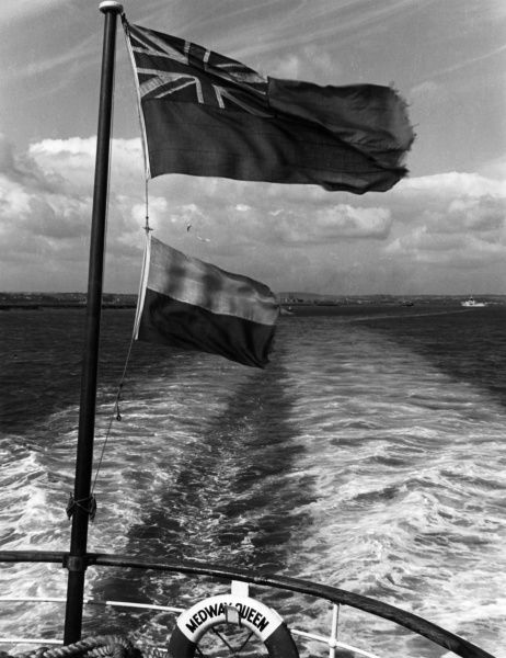 A study of the wake of the 'Medway Queen' pleasure boat, en route from Chatham, Kent, to Southend, Essex, England. Date: 1950s