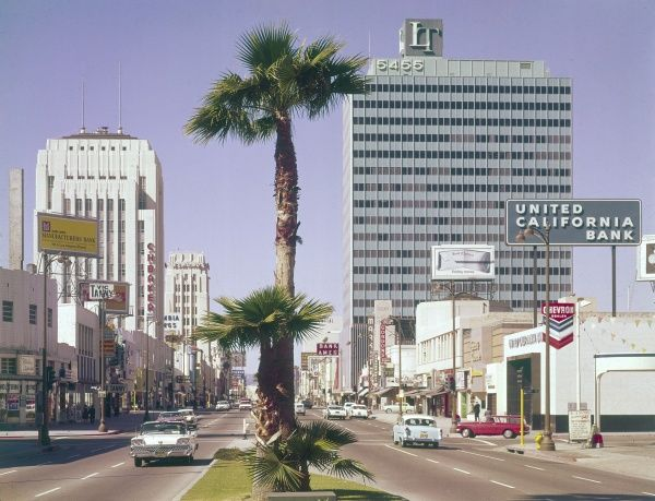 'Miracle Mile' Wilshire Boulevard, looking west from La Brea Avenue, Los Angeles ('L.A.'), California, U.S.A. Date: 1960s
