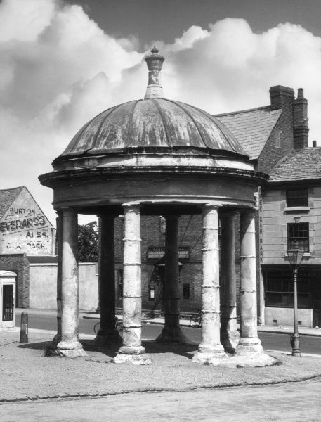 The Market Cross at Mountsorrel, near Leicester, Leicestershire, England, which was built by Sir John Danvers in 1793. Date: late 18th century