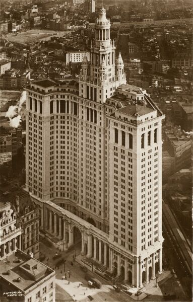 Birds eye view of the Municipal Building, New York Date: 1930s