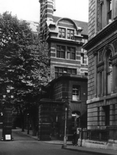 The Derby Street entrance to New Scotland Yard, Parliament Street, London, the Headquarters of the Metropolitan Police. Date: early 1950s