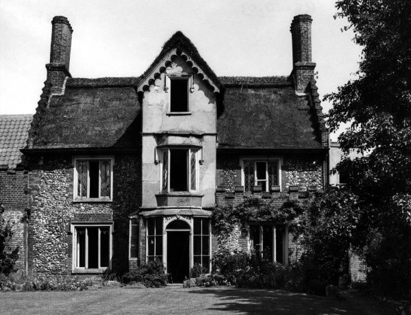 The Hermitage, Bishopsgate, Norwich, Norfolk, England. Here is shown the back view of an ancient mansion, once the vicarage of St. Mary-in-the- Marsh, now vanished. Date: 1930s