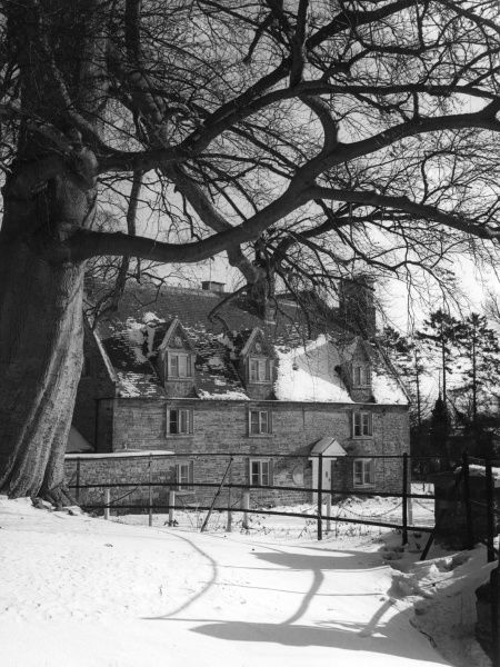 The Old House, Little Everdon, Northamptonshire, England, under thick winter snow. Date: 1960s