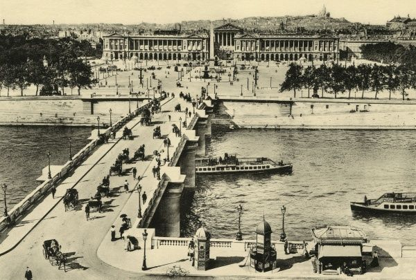 Bird's-eye view of the place, from across the Seine : the river traffic these days is all sightseeing steamers. Date: circa 1900