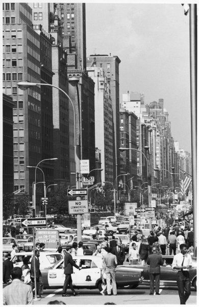 A bustling view of Park Avenue & East 53 Street