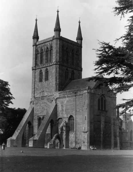 Pershore Abbey, Worcestershire, England, was founded in the 7th century. The main building, a Benedictine abbey, was built from about 1100. Date: early 12th century