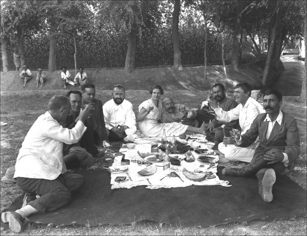 Diplomatic staff (both British and Iranian) enjoy a picnic. Photograph by Ralph Ponsonby Watts