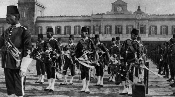 The pipers of the 5th Infantry Battalion of the Egyptian army in Alexandria, on the occasion of the arrival of Sir Henry McMahon, the new British High Commissioner for Egypt