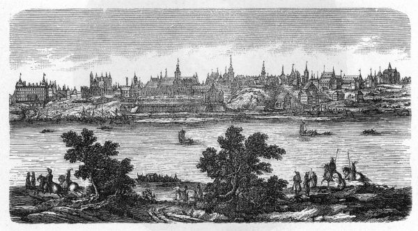 General view of Warszawa, seen across the Vistula