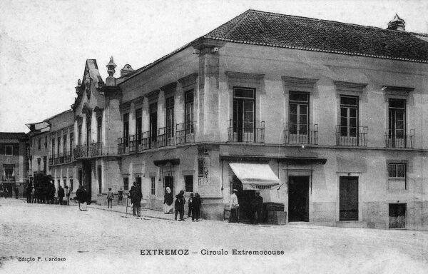 Portugal - Estremoz - Fine public building made out of marble. Date: 1907