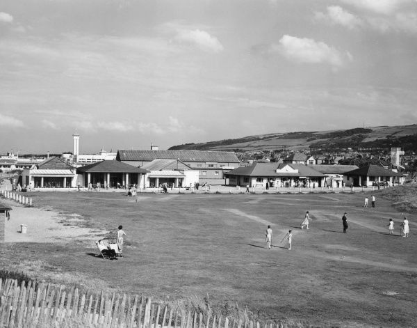 The golf course and Parade, Prestatyn, North Wales. Date: 1950s