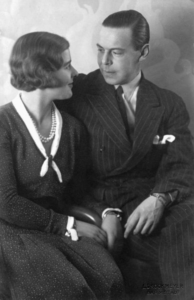Princess Margarita of Greece (1905-1981) and Prince Gottfried of Hohenlohe-Langenburg (1897-1960)in 1931, the year of their marriage. The couple were cousins: Margarita was the daughter of Princess Alice of Battenburg and great-granddaughter of Princess Alice