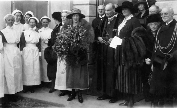 Princess Mary, Viscountess Lascelles (1897-1965), only daughter of King George V and Queen Mary, on a visit to Sussex County Hospital at Brighton on 22nd November 1921