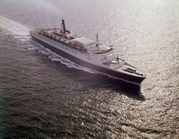 The RMS Queen Elizabeth 2 ('QE2'), Cunard Line Ocean Liner, flagship of the line from 1969 to 2004. Date: 1977