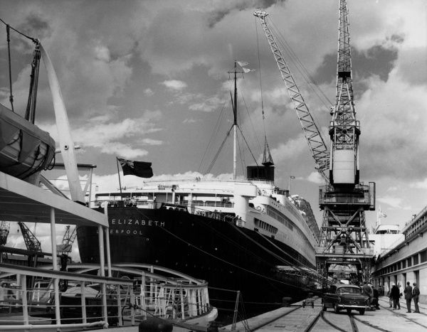 The 'Queen Elizabeth' steamship docked at Southampton, Hampshire, England. Date: March 1964