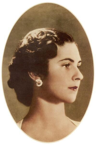 Safinaz Zulficar (1921-1988) - Queen Farisa of Egypt. The first wife of King Farouk I, the pasha's daughter was renamed Farida upon her marriage&quot