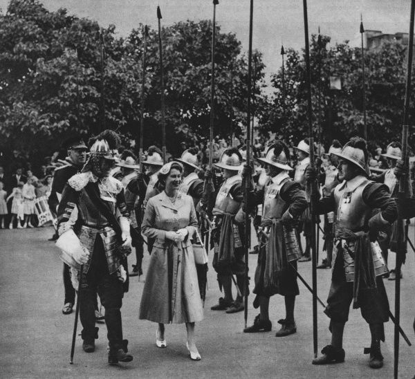 The Queen inspecting the pikemen and musketeers of the Honourable Artillery Company at Armoury House. Date: 1955