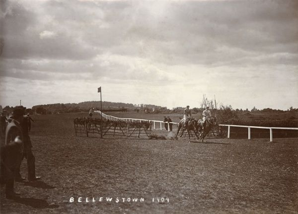 Horse Racing over jumps at Bellewstown Racecourse near Dublin. Date: 1909