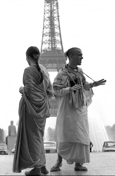 Two members of the Radna Krishna Sect, near the Eiffel Tower, Paris, France