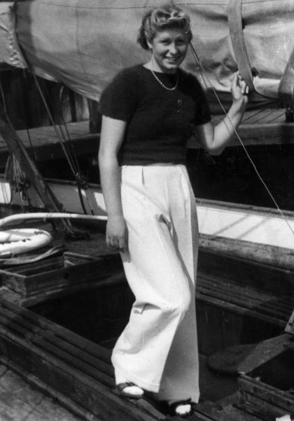 Danish swimmer RAGNHILD HVEGER (b. 1920), who was the holder, in 1941, of no less than 19 world records at one time. 400 metre Silver medal winner at 1936 Olympics. Date: 1930s