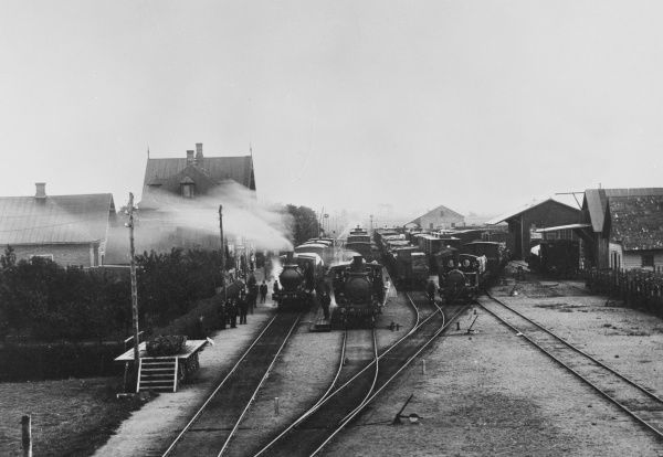 The railway station at Klippan village, Scania, Sweden, 1910s. Four steam engines can be seen. Date: 1910s