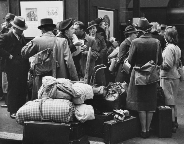 Refugees arriving in London during World War II