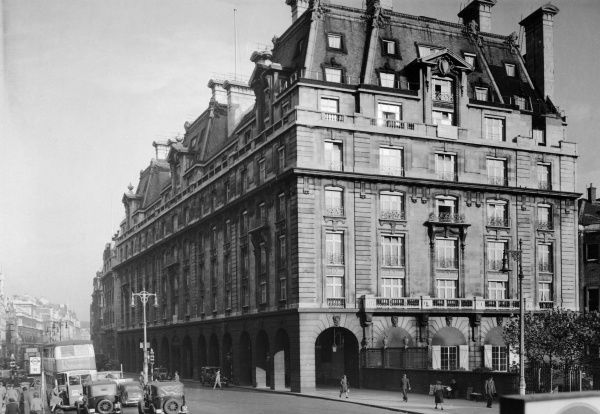 Exterior of the Ritz Hotel in Piccadilly, London, 1947 Date: 1947