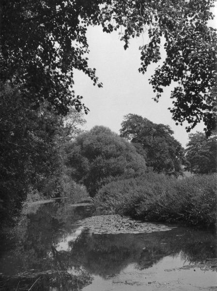The River Mole at Betchworth, Surrey, England. Date: 1930s