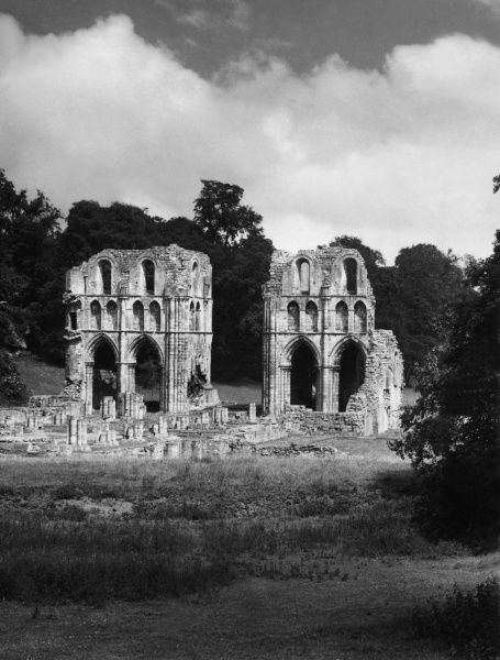 The ruins of the once beautiful Transcepts of Roche Abbey, south Yorkshire, England. This Cistercian abbey was founded in 1147, an was an off-shoot of Fountains Abbey. Date: 12th century