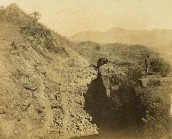 Rock cutting in progress, from face of Tunnel no 15; at 7 1/4 miles Date: 1856